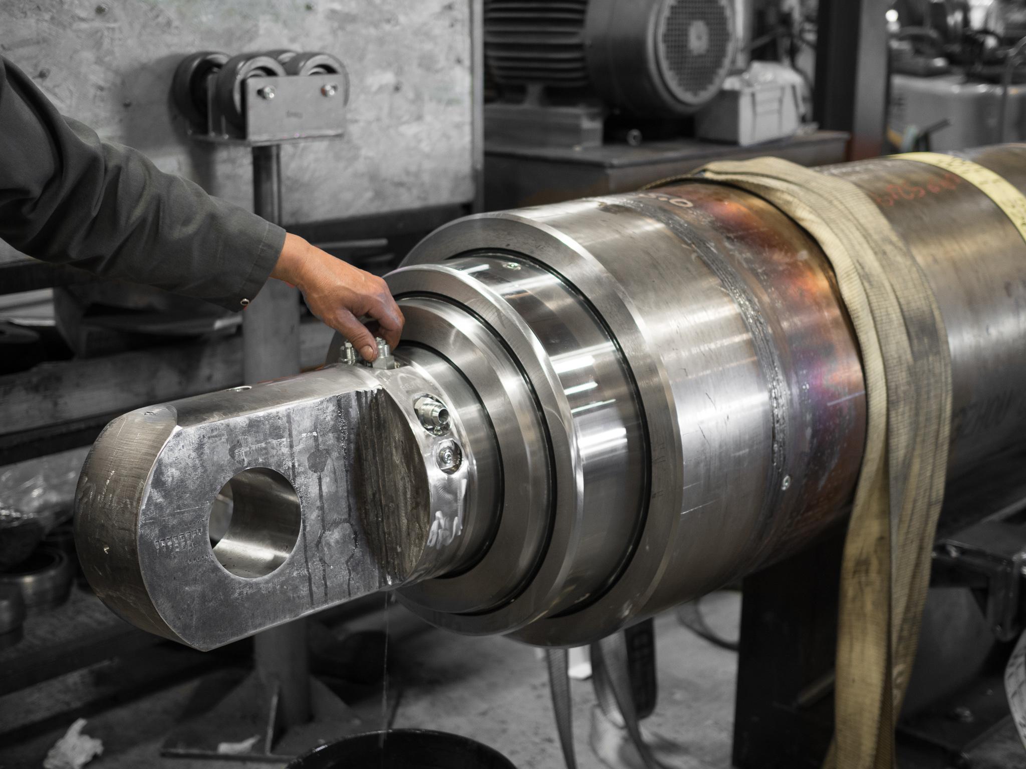 Hydraulic Cylinder Repair Service Edmonton Canada