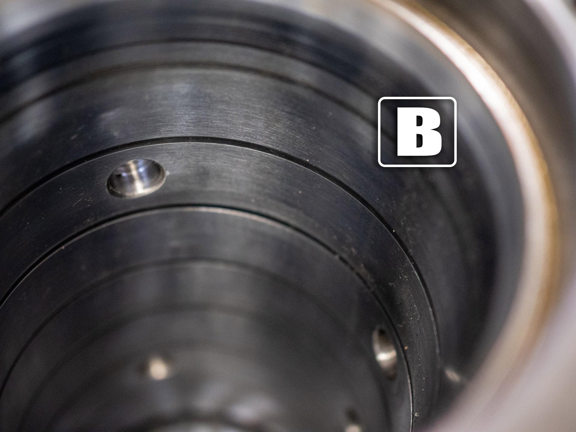 Hydraulic Cylinder Swivel Bore repair Crane Equipment Repair Manufacturing Service Edmonton Canada