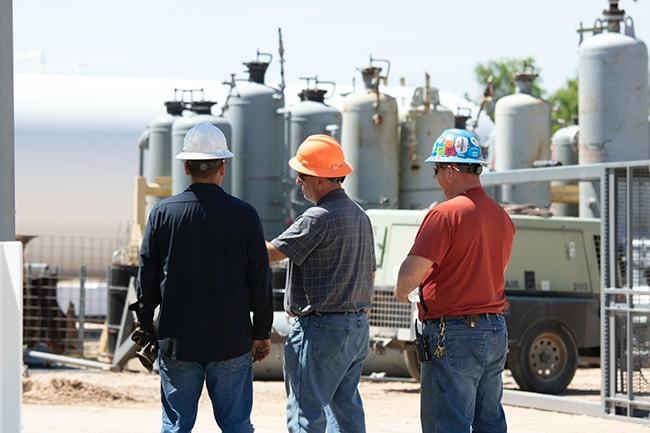 Oil Workers Fluid Power industry