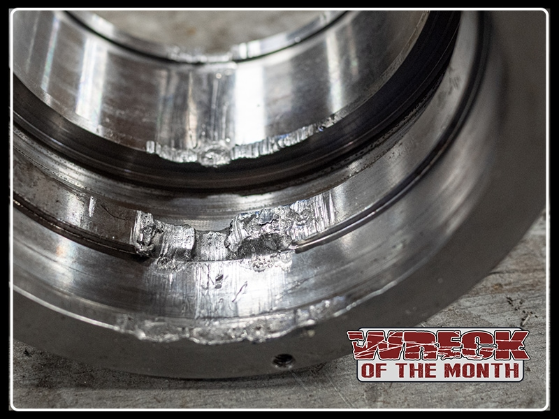 Wreck of the Month hydraulic cylinder gland damage failure